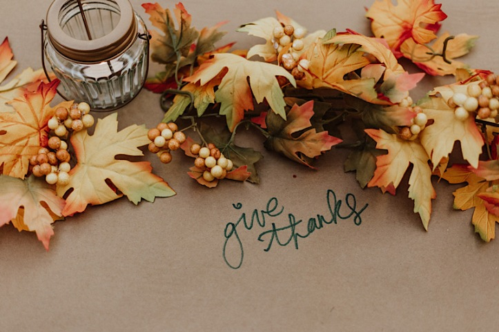 Fall leaves—text Give Thanks